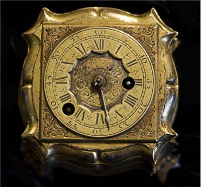 Gold Clock Old